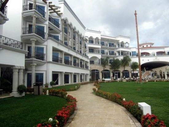 The Royal Playa del Carmen:                   hotel view