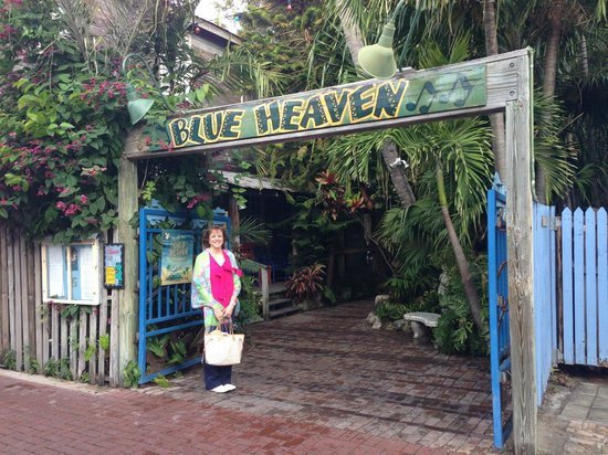 Ocean Key Resort & Spa: Blue Heaven Outdoor Restaurant - Wonderful!!