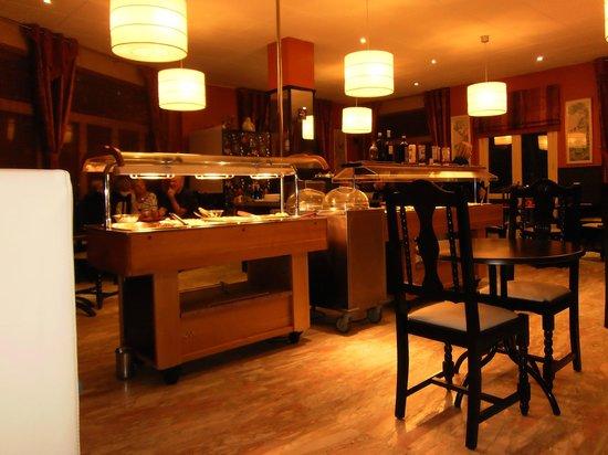 Hotel Palarine:                                                                         dinning buffet