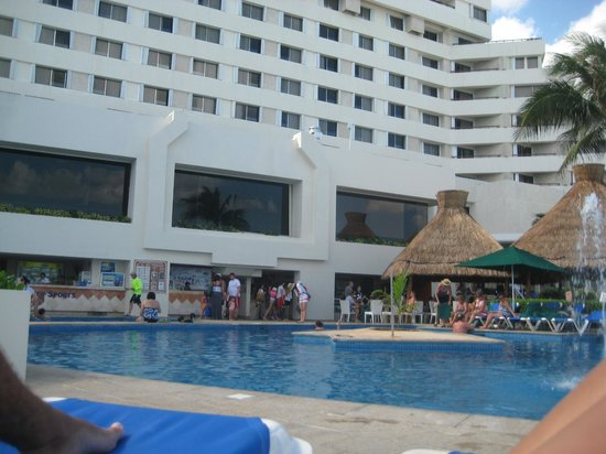 Royal Solaris Cancun:                   pool