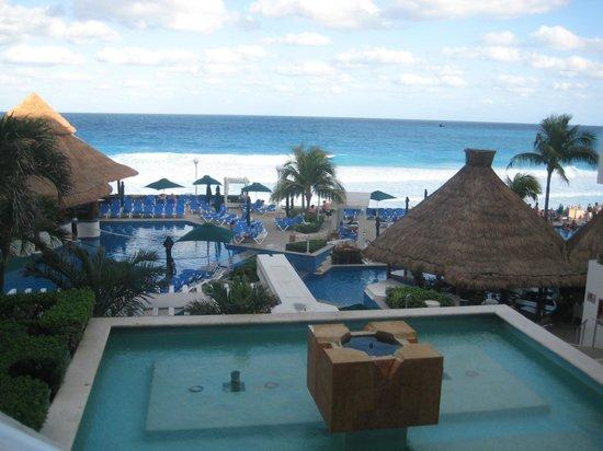 Royal Solaris Cancun:                   view