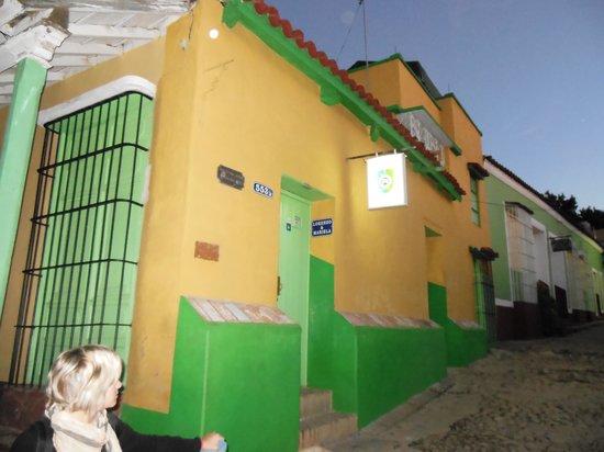 Hostal El Rintintin:                                                       la casa di mariella e lorenzo