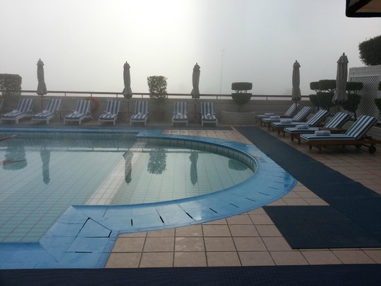 Crowne Plaza Dubai:                   Pool