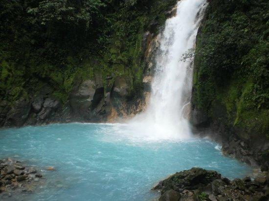 Rio Celeste:                   Cascada