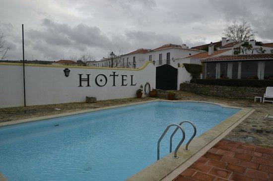 Hotel Real D'Obidos: Piscina 2