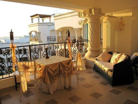 The Royal Playa del Carmen:                   table for our romantic dinner on our terrace
