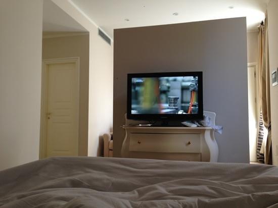 TownHouse 33:                   room junior suite..