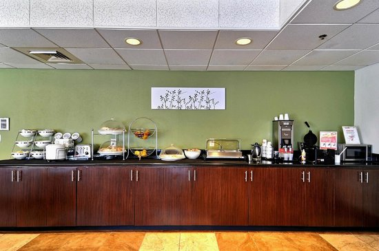 Sleep Inn & Suites : Breakfast Bar