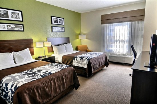Sleep Inn & Suites: Room with 2 Double Beds