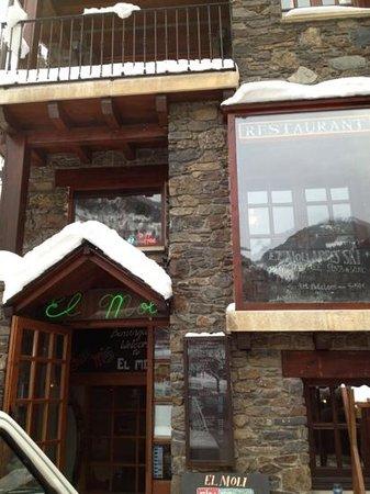 El Moli :                   front entrance!
