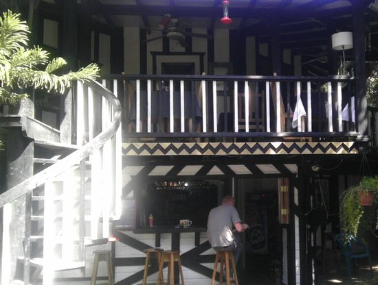 Lily Pond House Restaurant :                   Lily Pond House2