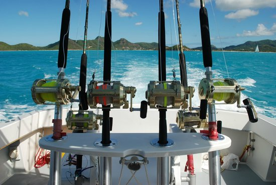 Mystic Amara III - Deep Sea & Bottom Fishing Charters: on the way out