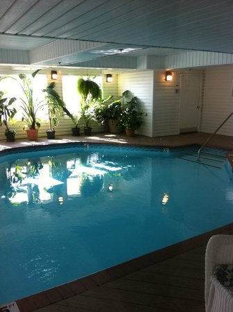 Islander Inn: indoor (not heated) pool. Jacuzzi is heated, and to the right
