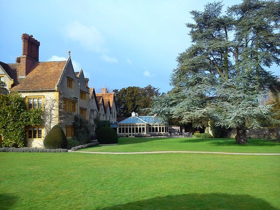 Belmond Le Manoir aux Quat'Saisons:                   Part of hotel, terrace and grounds