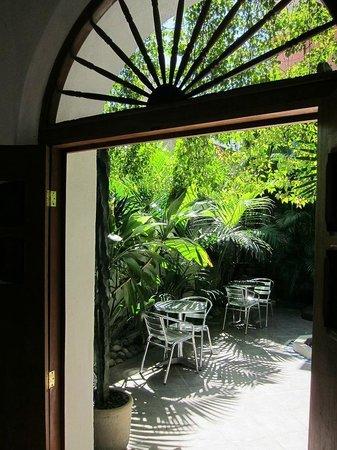 Hotel Julamis:                   Maravilloso patio interior.