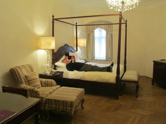 Savic Hotel:                   Four Poster Bed