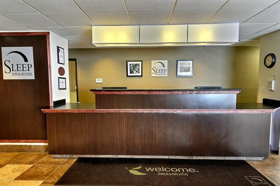 Sleep Inn & Suites: Front Desk