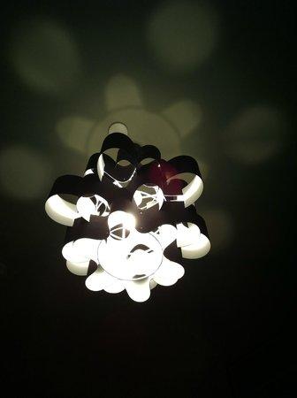 Ayre Hotel Rosellon:                                     lampadario camera