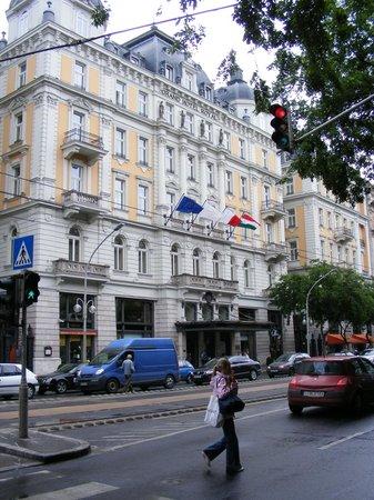 Corinthia Hotel Budapest:                   Hotel Front