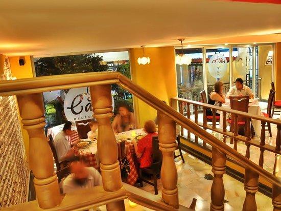 Escalera picture of restaurante la mia casa neiva for Come progettare la mia casa