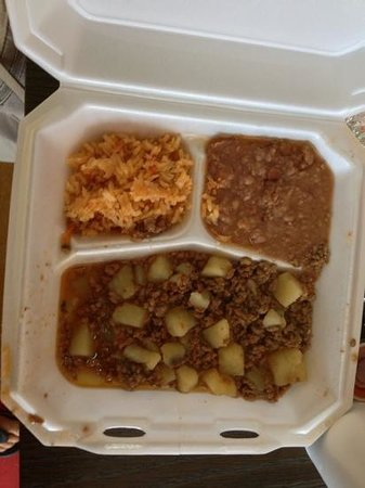 La Popular Bakery & Cafe:                   Beef n Potatoes , rice n beans !!!