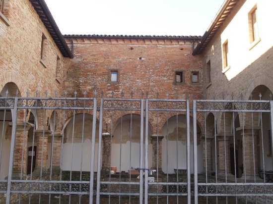 Residenza d'Epoca San Girolamo:                   il chiostro