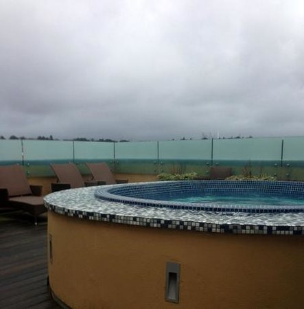 Old Course Hotel, Golf Resort & Spa: roof jacuzzi