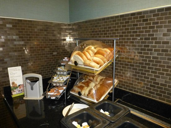 Residence Inn Long Beach Downtown: Breakfast Buffet