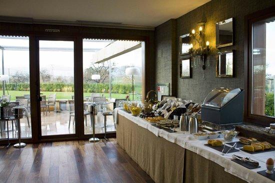 BAL Hotel & Spa:                                     el bufett en el desayuno