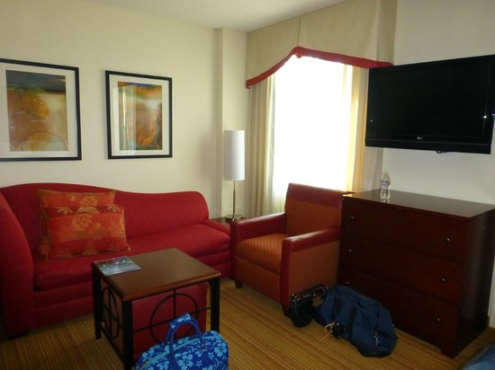 Residence Inn Long Beach Downtown: Room/suite