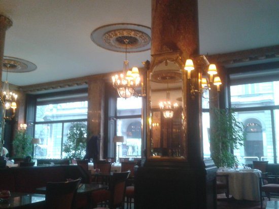 Danubius Hotel Astoria City Center:                   Mirror Restaurant