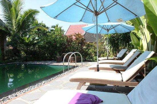 Betel Garden Villas: piscina