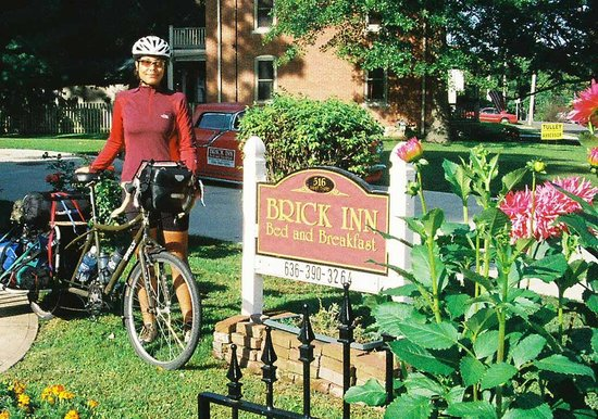 Brick Inn Bed and Breakfast: Free Katy Trail Shuttle