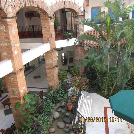 Encino Hotel:                   Looking down to main floor & lobby from 1st floor
