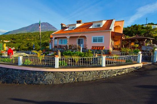 Bed and Breakfast Miradouro da Papalva Guest House INN ID No. #1229: Guest House facing Ocean, Pico mountain in the Backround