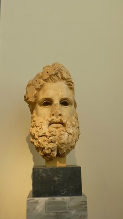 National Archaeological Museum: Grumpy deity