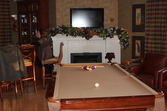 Jakobstettel Country Inn:                   Pool Room