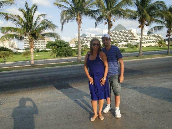 Paradisus Cancun:                   Grandioso....