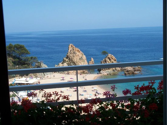 Premier Gran Hotel Reymar & Spa:                                     The view from our room over-looking the beach below.