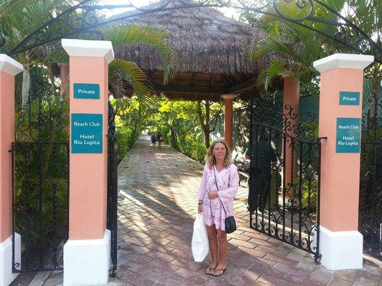 Hotel Riu Lupita:                   privat strand