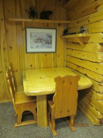 Big Bear Hideaway:                   One of two dining areas in the Polar Bear Cottage.