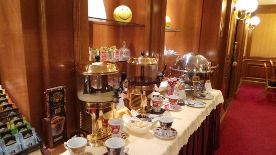 Lugano Dante Center Swiss Quality Hotel: Breakfast