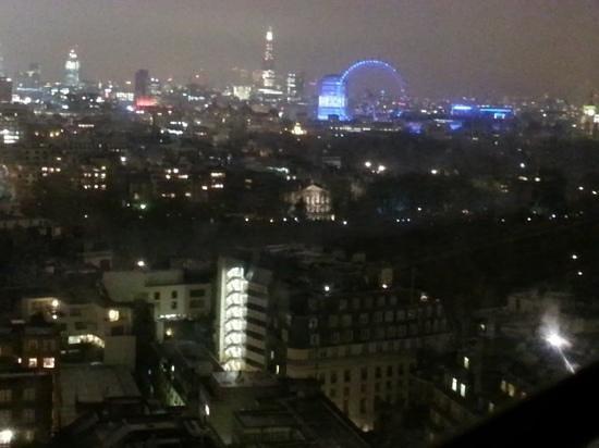 لندن هيلتون في بارك لين:                   view from 2022                 