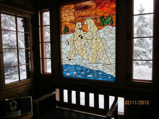 Welcome to the Polar Bear Cottage at BIg Bear Hideaway!