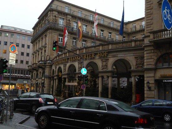 Steigenberger Frankfurter Hof:                   hotel