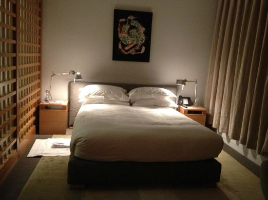 Hotel Gault:                   Bed tucked away in cozy nook