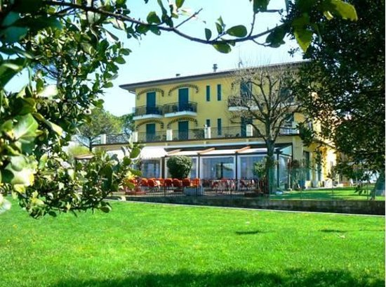 Photo of Hotel Campanello Castelnuovo del Garda