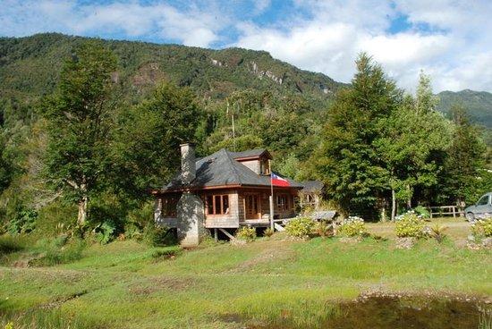 Posada Queulat:                                                       la cabaña martin pescador