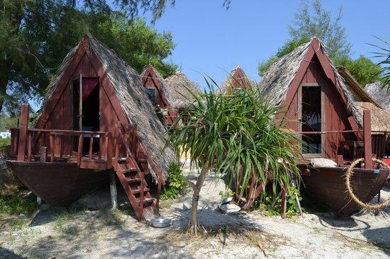 Cinderella Golden Lodge:                                     bungalow in riva al mare