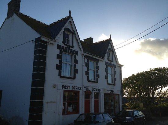 The Caerthillian Guest House: Das Post Office vis a vis